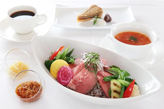 十六穀ご飯と彩り野菜のローストビーフボウルセット