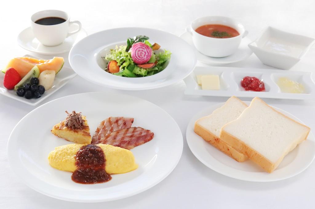 朝食  イル サーリチェの洋定食