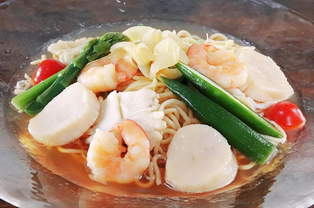冷麺ランチセット あっさり魚介入り冷麺