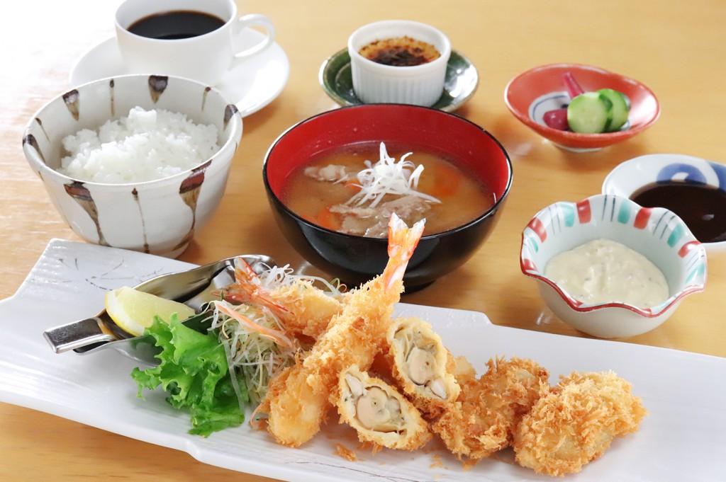 牡蠣と海老ミックスフライ膳